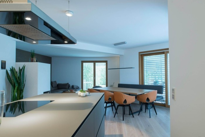 offene küche mit licht modern gestalten