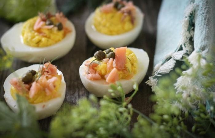 restegourmet nachhaltig leben gefuellte eier raeucherlachs