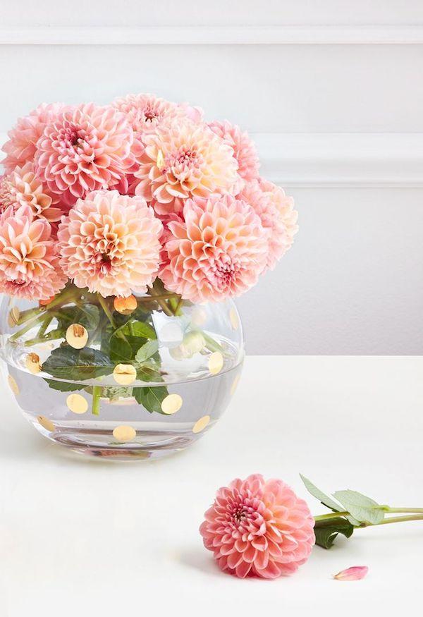 schöne Chrysanthemen Vase