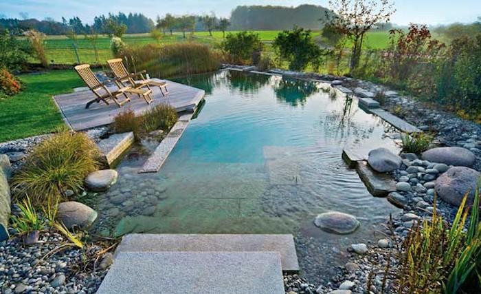 schwimmteich-natürliche-gartengestaltung