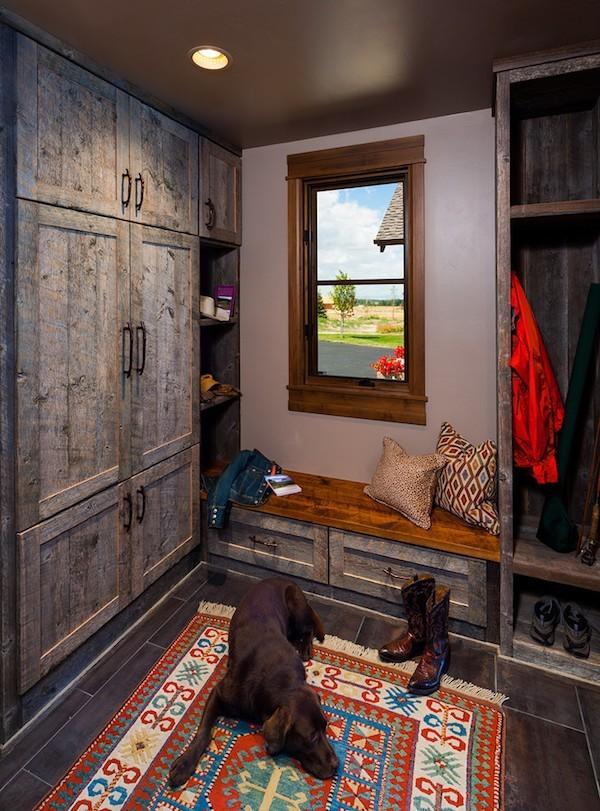 wie die flurgestaltung modern und funktional durch eine sitzbank wird. Black Bedroom Furniture Sets. Home Design Ideas