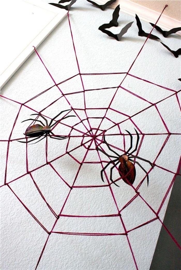 spinnweben selber machen mit spinnen als halloween dekoration