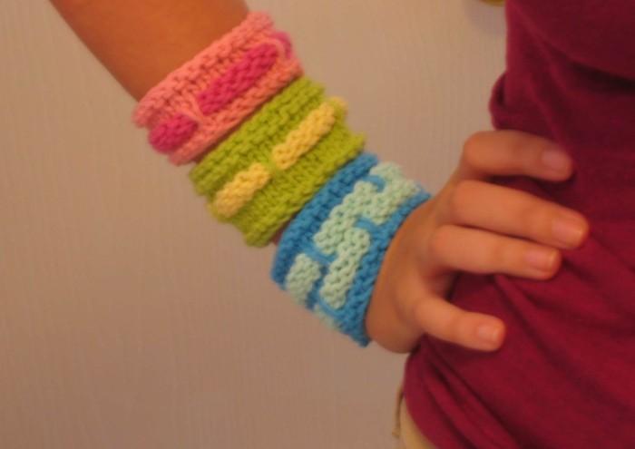 stricken fuer anfaenger kreative weihnachstgeschnke selber machen armband warm