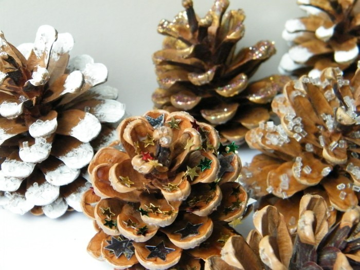 tannenzapfen verzieren weihnachtsdeko ideen