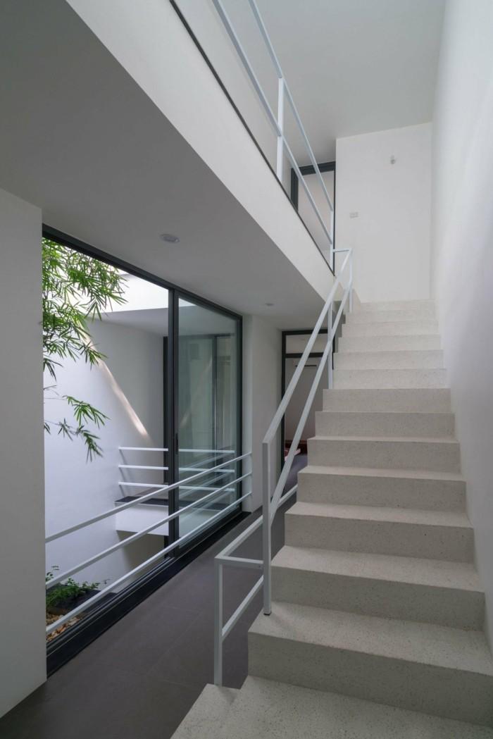 moderne architektur aus vietnam als beispiel f r urbane bepflanzung. Black Bedroom Furniture Sets. Home Design Ideas