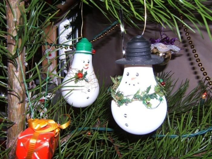 weihnachtsbasteln mit kindern gluehbirnen