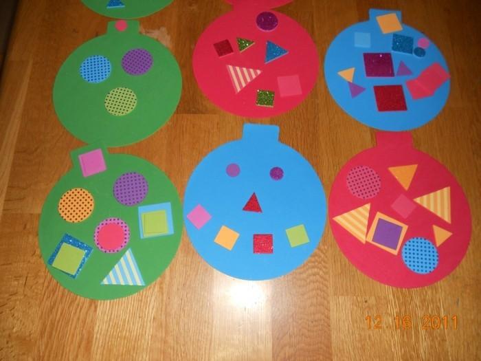 weihnachtsbasteln mit kindern grundformen weihnachtskugel