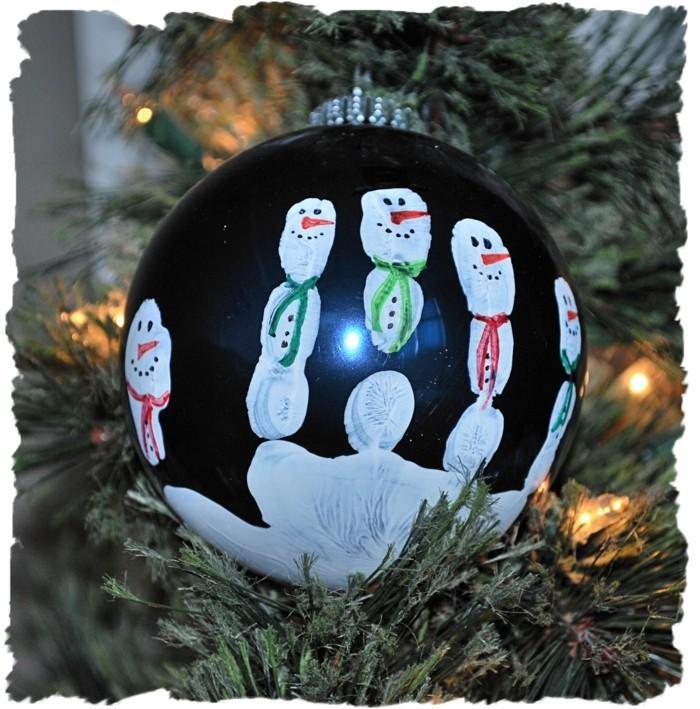 weihnachtsbasteln mit kindern schneemann handabdruck