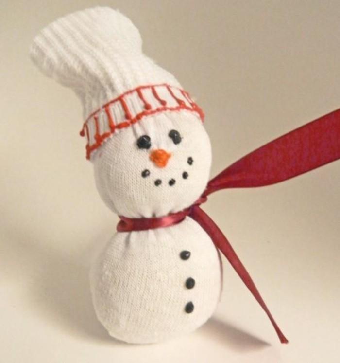 weihnachtsbasteln mit kindern schneemann socke