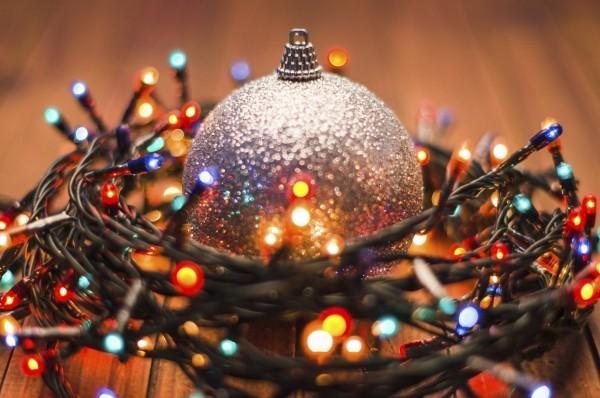 weihnachtsbeleuchtung windlichter basteln weihnachtkugel lichterkette