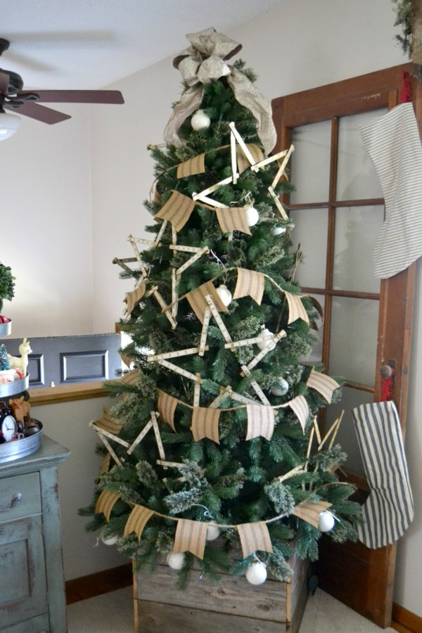 weihnachtsdeko basteln girlande weihnachtsbaum landhausstil frisch grün
