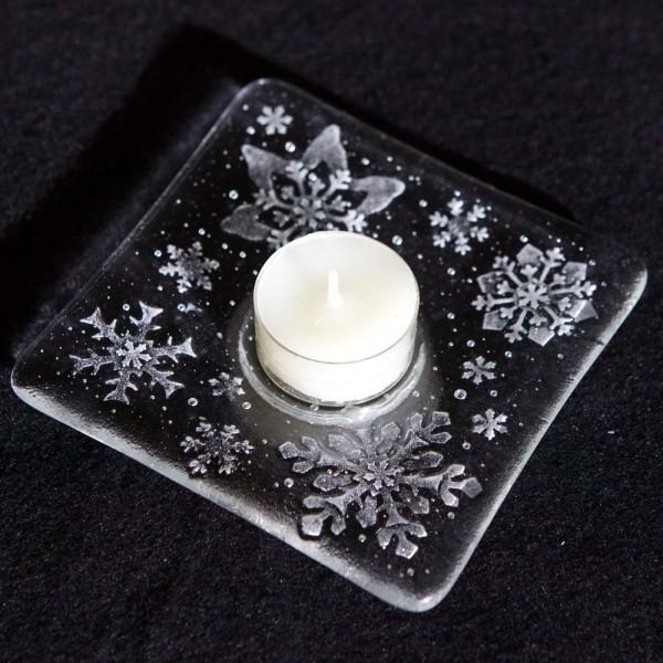 weihnachtsteehalter-glas-mit-schneeflocken