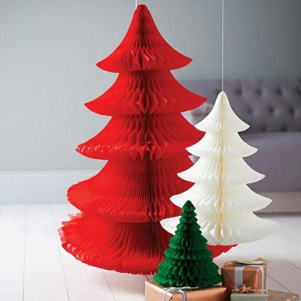 Überdimensionierte Weihnachtsbäume basteln mit Papier