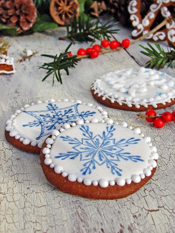 Blau weiße Schneeflockenmuster
