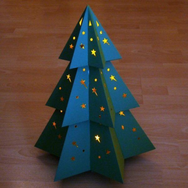 Blauer Tannenbaum mit gelber Rückseite Weihnachtsdeko selber machen
