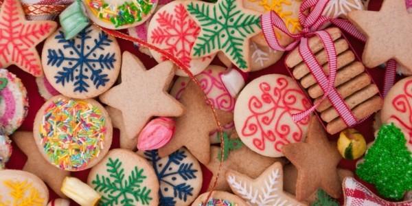 Bunte Weihnachtskekse backen Inspiration