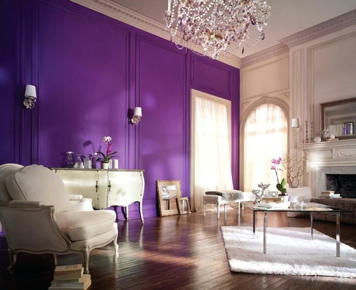 Die Farbe Lila großes wohnzimmer schöner kronleuchter lila wand