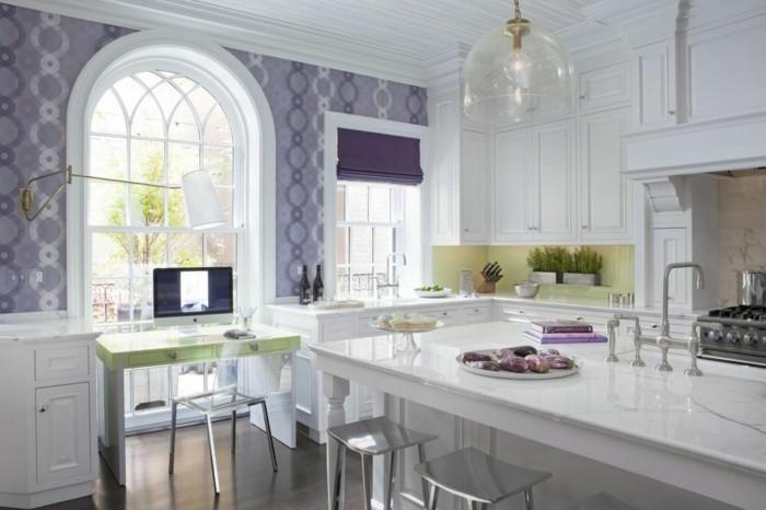 Die Farbe Lila küche weiße kücheninsel lila raffrollo