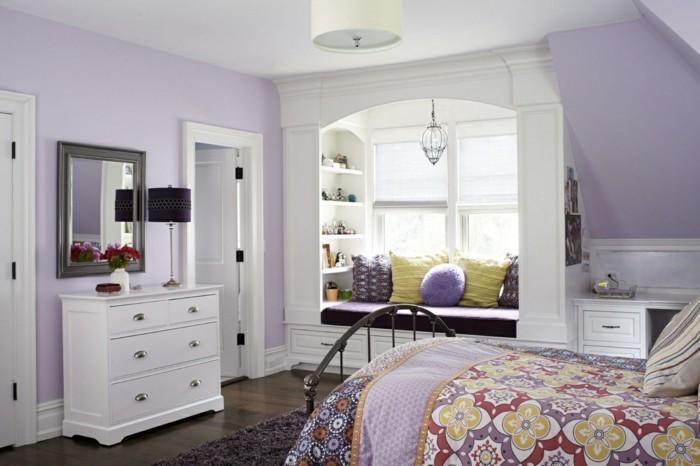 Die Farbe Lila schlafzimmer dachschräge farbige bettwäsche