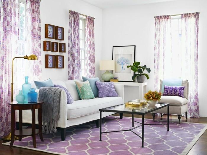 Die Farbe Lila wohnzimmer lila akzente weiße wände