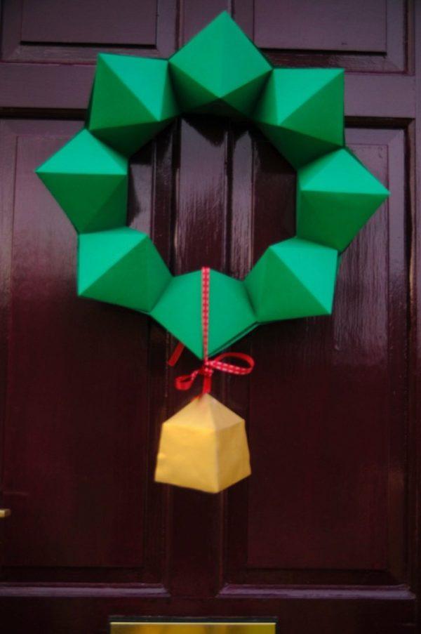 Eleganter und schlichter türkranz für Weihnachten selber machen