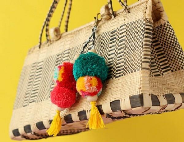 Kette mit Pompons für die Tasche