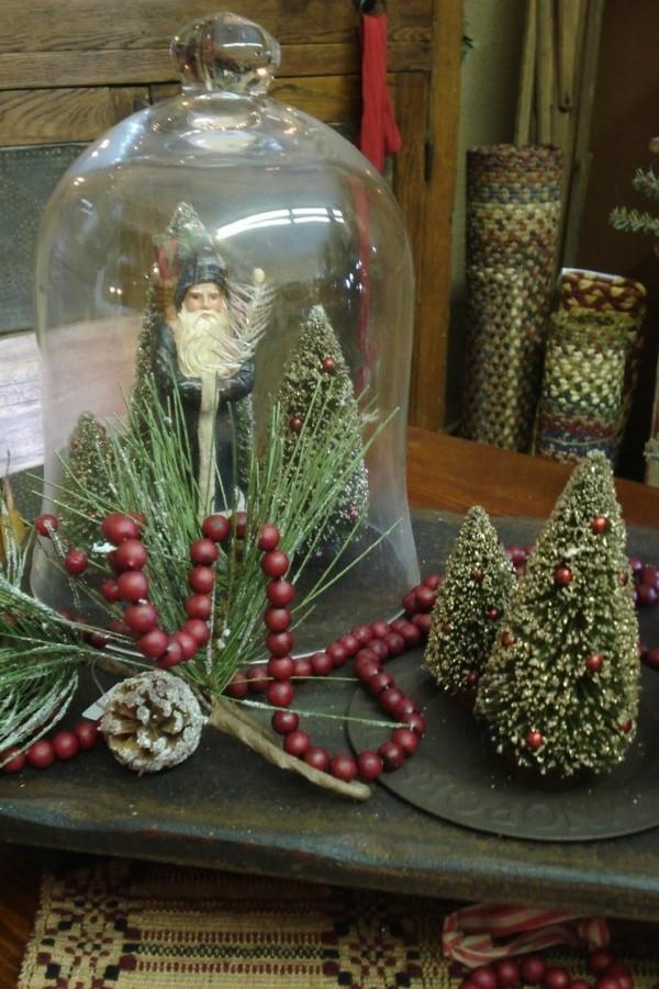 Kleine Tannenbäume als dezente Weihnachtsdeko