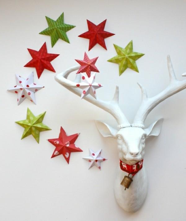 Origami Sterne als Wanddekoration