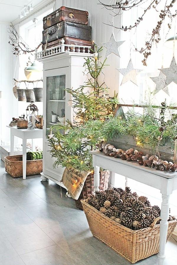 Richtig eingerichtetes rustikales Wohnzimmer