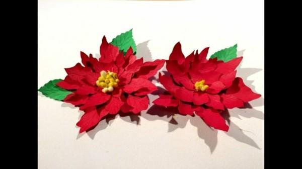 Roter Weihnachtsstern aus Papier basteln