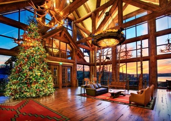 Stilvoller rustikaler Raum mit DIY Weihnachtsdekoration