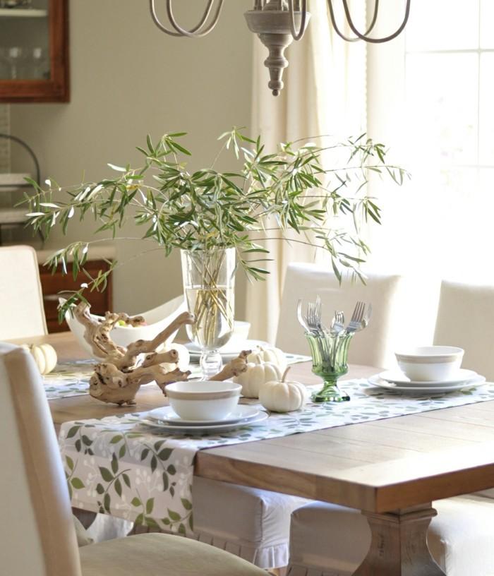 Tolle grüne Zweige Tischdekoration