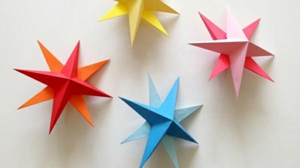 Verschiedene Farben Weihnachtssterne basteln mit Papier