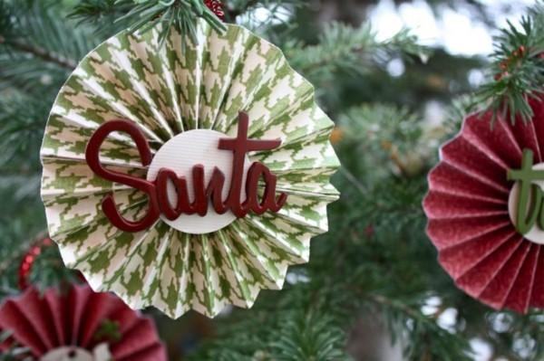 Weihnachtsbaumschmuck mit einem Wort basteln mit Papier