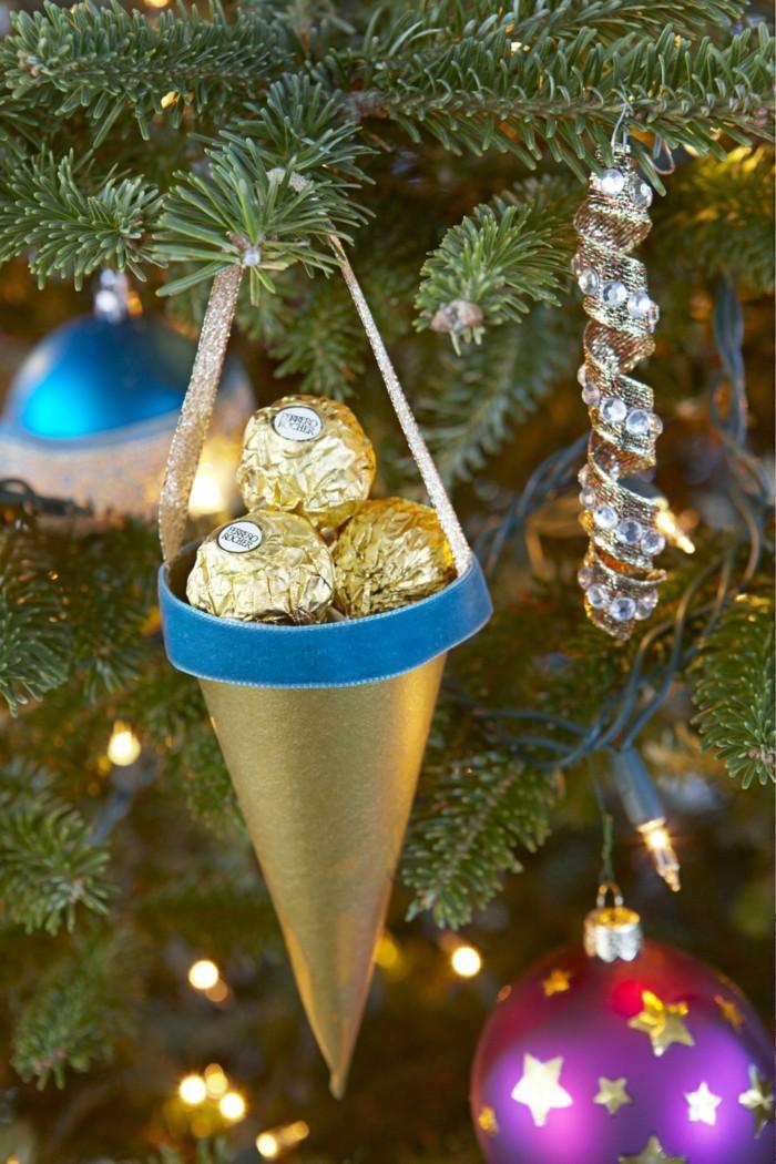 Weihnachtsdeko Ideen mit der Farbe Gold Baumschmuck