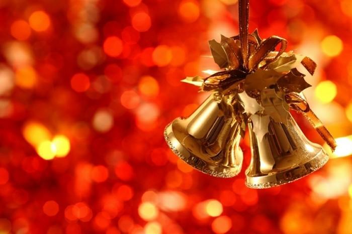 Weihnachtsdeko Ideen mit der Farbe Gold Gloecken
