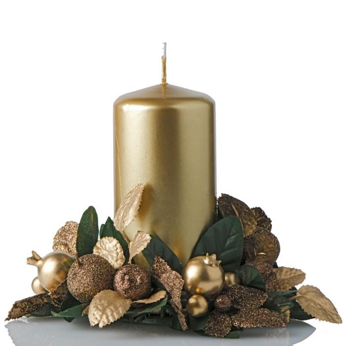 Weihnachtsdeko Ideen mit der Farbe Gold Kerze