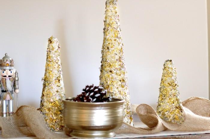 Weihnachtsdeko Ideen mit der Farbe Gold Tannenbaum glitzer