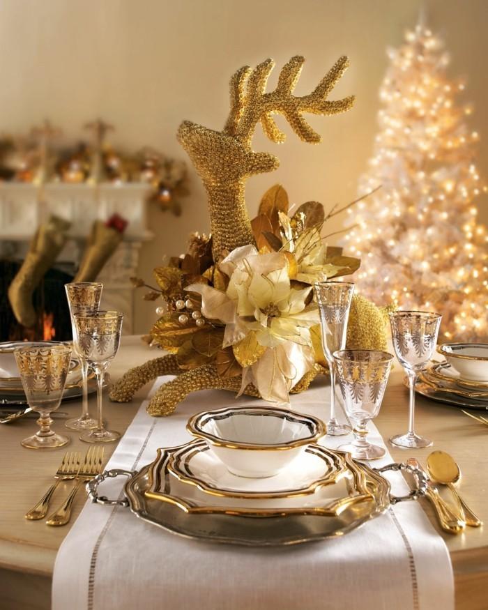 Weihnachtsdeko Ideen mit der Farbe Gold Tischdeko