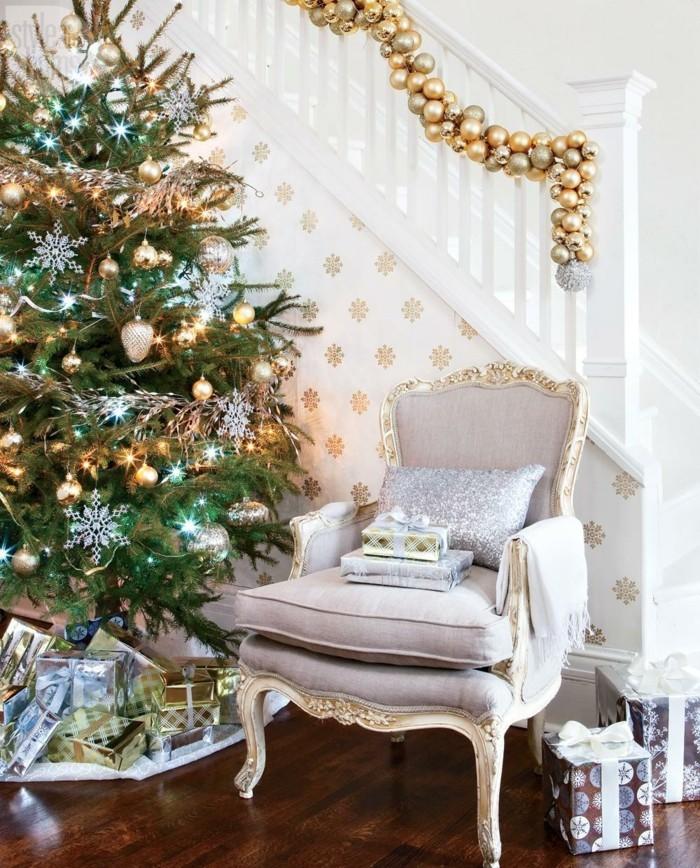 Weihnachtsdeko Ideen mit der Farbe Gold festlich und pompoes