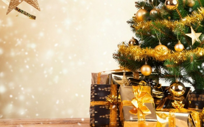 Weihnachtsdeko Ideen mit der Farbe Gold verpackungspapier tannenbaum set