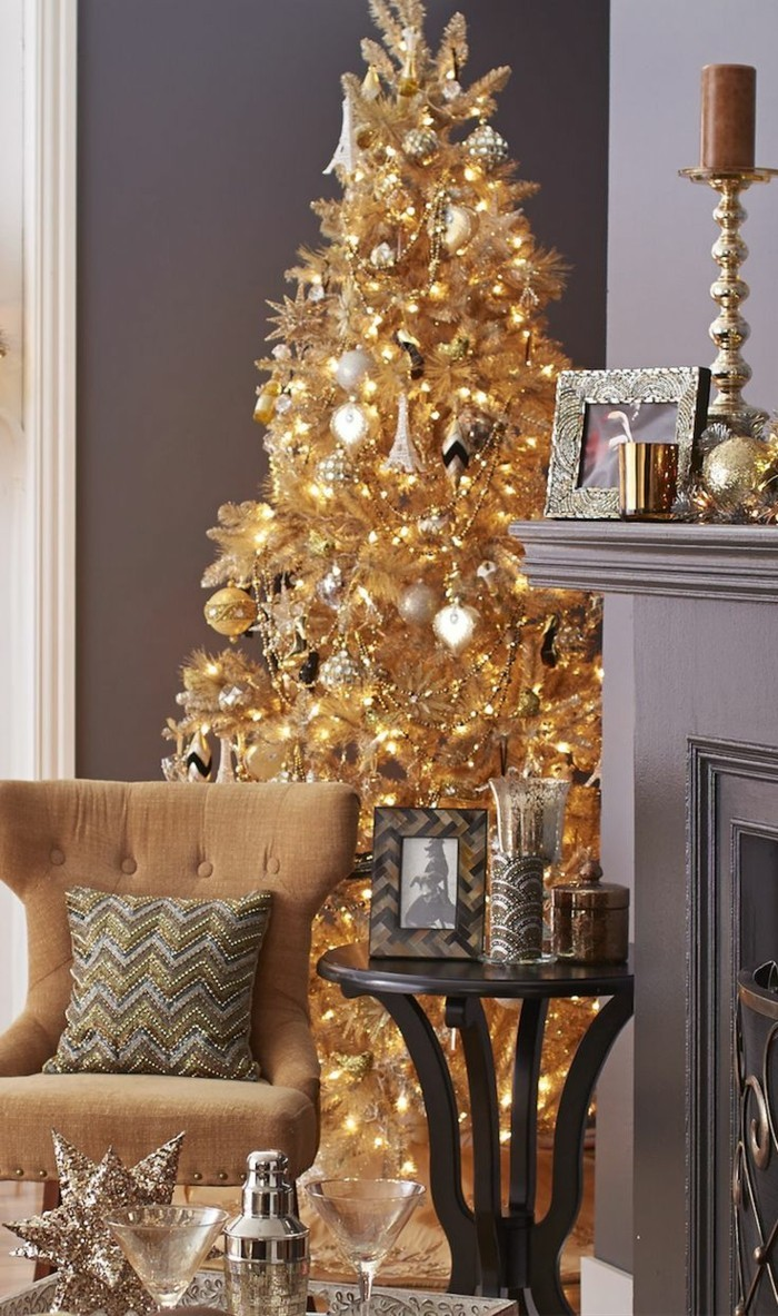 Weihnachtsdeko Ideen mit der Farbe Gold weihnachtsbaum