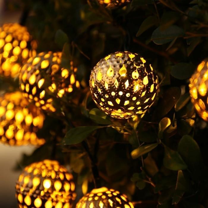 Weihnachtsdeko Ideen mit der Farbe Gold weihnachtsbeleuchung baum