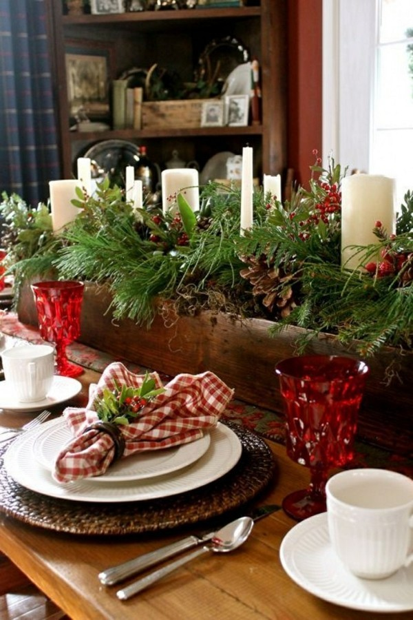 Weihnachtsdeko Landhausstil festtafel ideen tischdeko grün rot