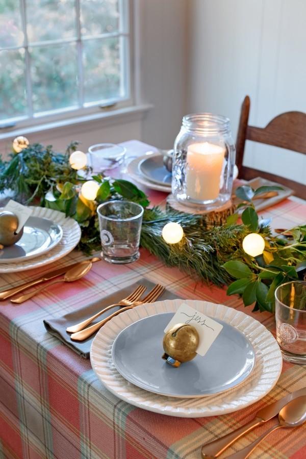 Weihnachtsdeko Landhausstil frische tischdeko grün kariertes muster