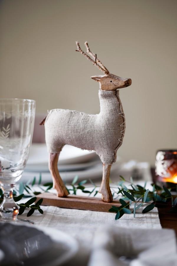 Weihnachtsdeko Landhausstil hirsch gemütliches weihnachten