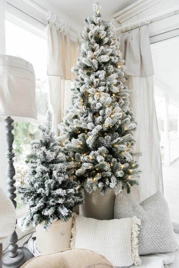 Weihnachtsdeko Landhausstil neutrale einrichtung durch tannenbäume in blumentöpfen erfrischen