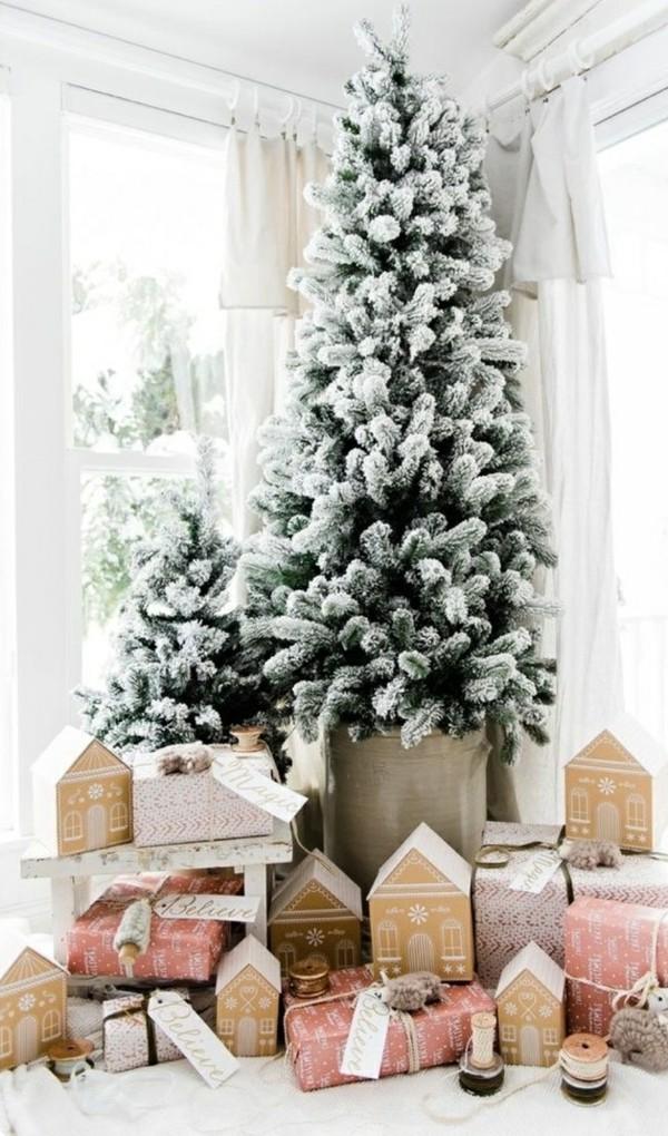 Weihnachtsdeko Landhausstil weihnachtsbaum schöne weihnachtsgeschenke farbig