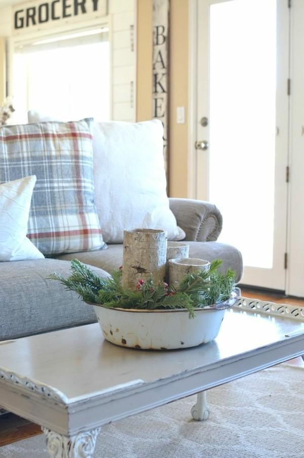 Weihnachtsdeko Landhausstil wohnzimmer dekoideen couchtisch kerzen grün