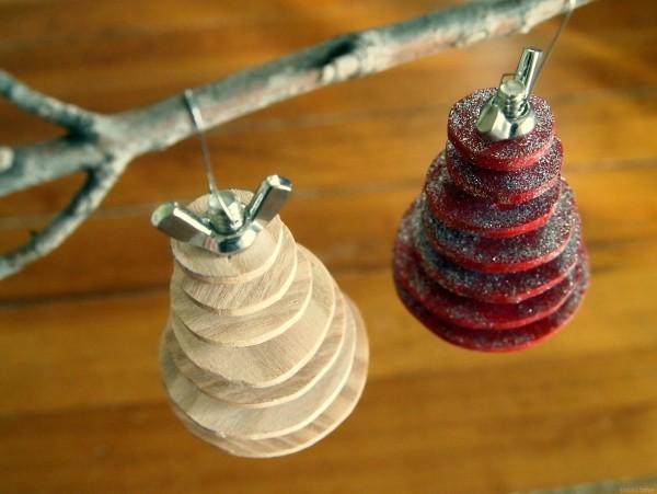 deko mit holzscheiben selber machen als weihnachtsdeko